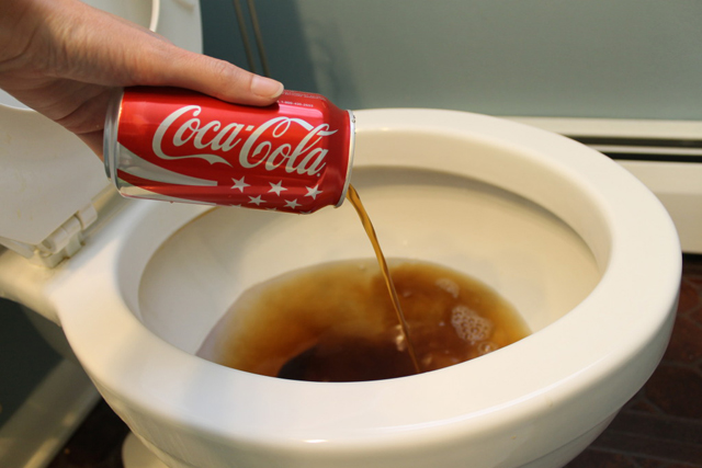 Clean Your Toilet With Cola
