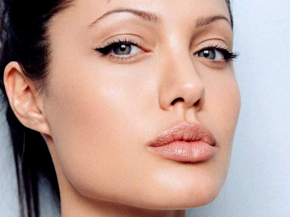 Skin Colored Eyeliner