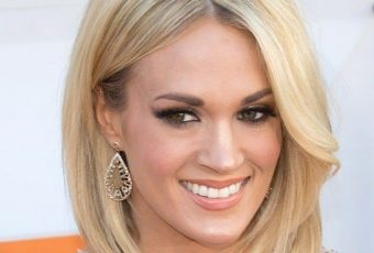 Carrie Underwood Wows In Shimmery Gown At 2016 ACM Awards