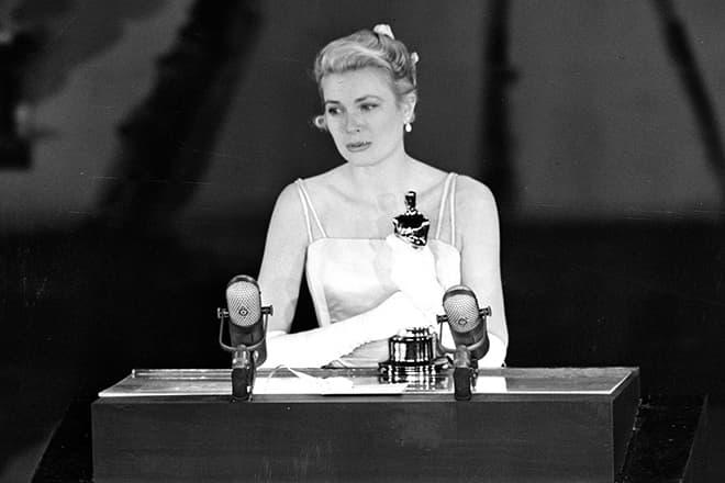Grace Kelly Beats Judy Garland For Best Actress 1955