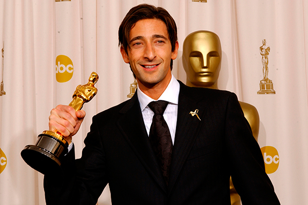 Adrien Brody Wins For The Pianist 2003