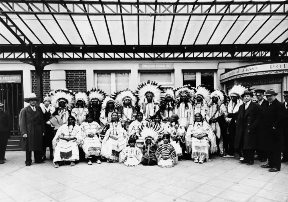 A Sioux Family