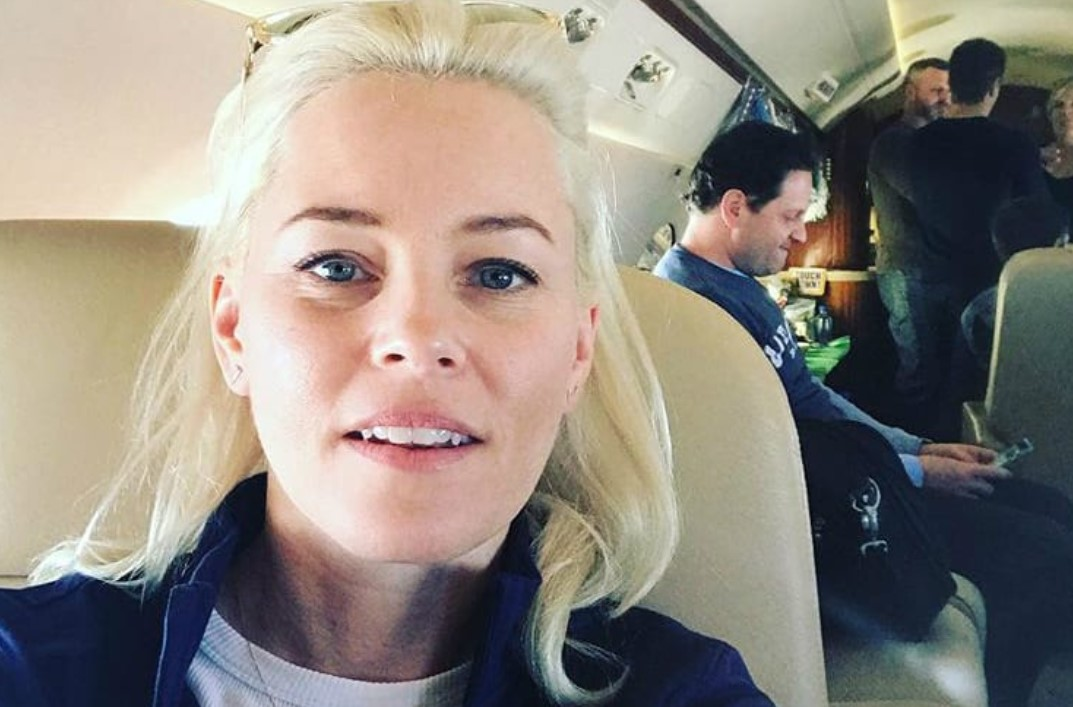 Elizabeth Banks New England Patriots