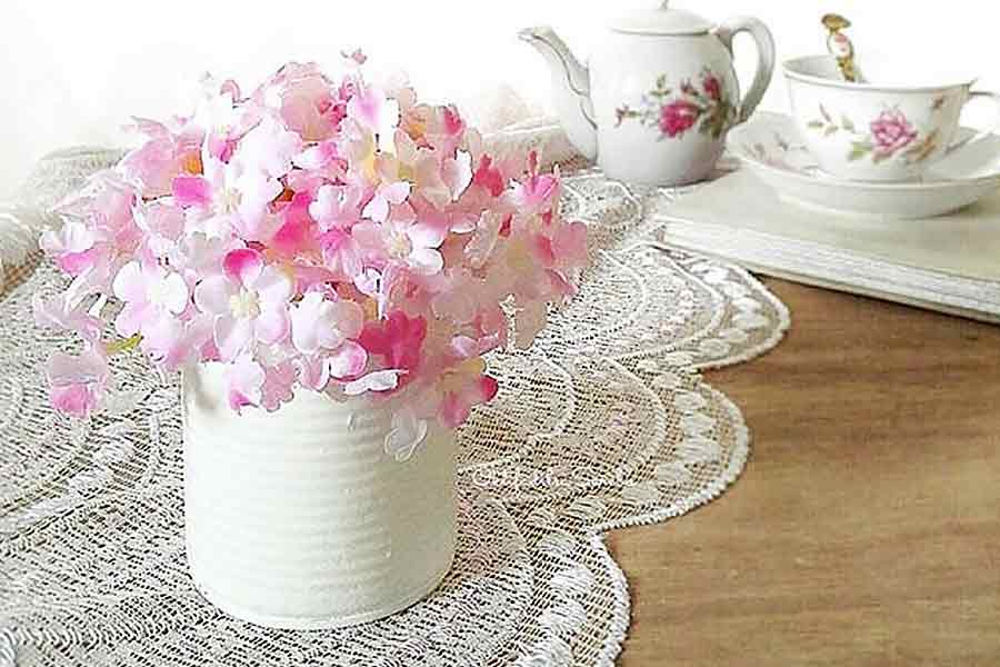 Using Table Doilies